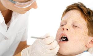 Лечение при переломах корней постоянных зубов
