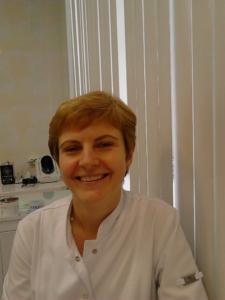 Логинова Светлана Геннадьевна –врач-стоматолог детский первой квалификационной категории по специальности стоматология детская